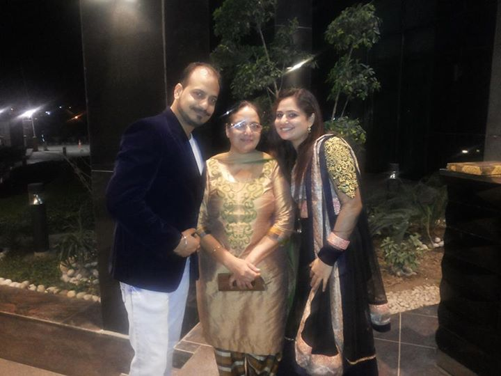 Daksh Oberoi, His Mum Kawaljit Kaur and His Sister Jasmine